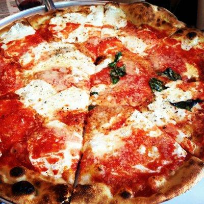 Grimaldi 39 s pizzeria Garden city pizza